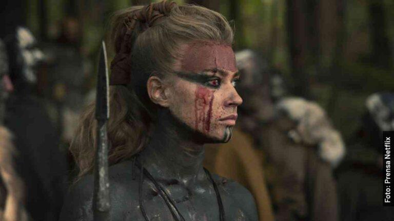 Ella es Thusnelda en Bárbaros, serie de Netflix, y en la vida real