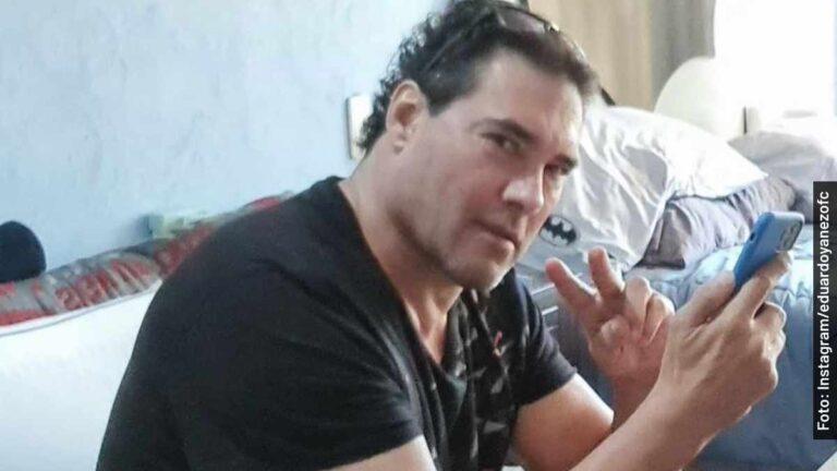 Eduardo Yañez pelea otra vez con periodista y pega a micrófono en entrevista