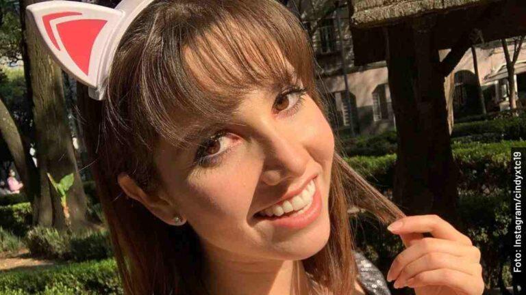 Ella es Cindy XTC, reportera en patines de Hoy, programa de Televisa