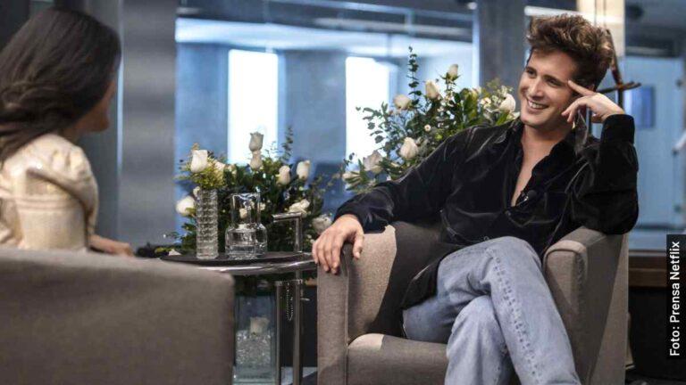 Quién entrevistó a Luis Miguel en la serie de Netflix y en la vida real